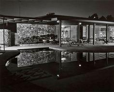 1954. Lucille Ball/Desi Arnaz House. Palm Springs, CA      Architect: Paul R. Williams  Photographer: Julius Shulman
