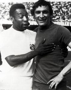 Gigi Riva - Pele' Football Icon, Sport Football, Fifa, Barcelona Football, Soccer Games, Big Men, Football Players, Nostalgia, Tuono