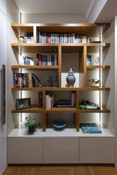 Getting the right book case for your home or office bookcases adams glass door cabinets PAENMSG Bookcase With Glass Doors, Glass Cabinet Doors, Decorating Your Home, Interior Decorating, Interior Design, Home Library Design, Modern Bookcase, Custom Furniture, Home Living Room