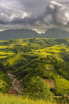 Piatra Craiului mountains, Romania by Alex Zamfir, Places To Travel, Places To See, Destinations D'europe, Toscana Italia, Visit Romania, Scenery Pictures, The Beautiful Country, Beautiful Places To Visit, Amazing Nature
