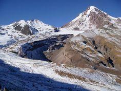 Gruzie - výstup na Mt. Kazbek - TheBeastAndBeauty Mount Everest, Ukraine, Georgia, Mountains, Nature, Travel, Naturaleza, Viajes, Destinations