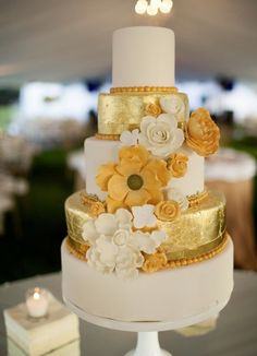 Featured Photographer: Koby Brown Photography; Wedding cake idea.