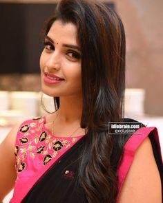 India Beauty, Asian Beauty, Beautiful Gorgeous, Beautiful Women, Beauty Full Girl, Beauty Girls, Priyanka Chopra Hot, Best Bride, Elegant Makeup