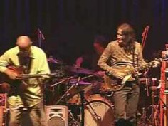 The Two Best Guitarists EVER!! Larry Carlton and Robben Ford show how jamming blues is done right