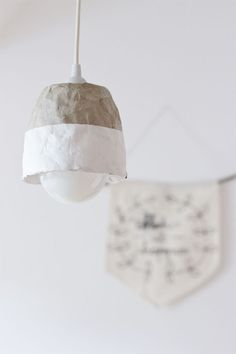 The cardboard rolls from kitchen towels can be very handy. I created a step-by-step tutorial on how to make a lampshade with this upcycled cardboard lampshade DIY.