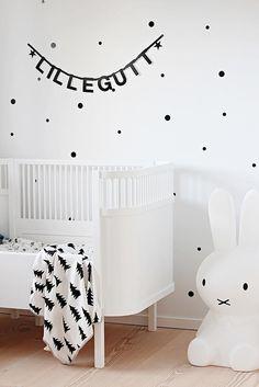 Habitación de bebé con estilo escandinavo