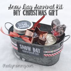 DIY Snow Day Survival Kit Christmas Gift - sugar cookies in a jar, a cookie cutter, hot chocolate mix in a jar, and hot chocolate spoons! Would be extra cute to put in fake snow for here! Diy Christmas Baskets, Homemade Christmas Gifts, Homemade Gifts, Holiday Fun, Christmas Time, Holiday Gifts, Christmas Presents, Handmade Christmas, Christmas Lights