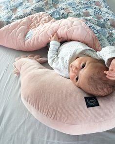 Szuper inspirációk az egyedi baba és gyerekszoba kialakításához Girl Room, Baby Room, Nursery Ideas, Bean Bag Chair, Furniture, Home Decor, Nursery Room Ideas, Girl Cave, Bean Bag Chairs