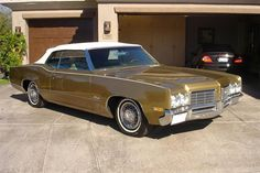 1970 Oldsmobile Delta 88 Convertible.