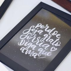perdoe, seja grato, sorria, diga que ama  #perdoe #sejagrato #sorria #digaqueama #amorderabisco #quadrinho #decor #art #caligrafia #lettering #handmade #handlettering #compredequemfaz #decoracao #nankin #pretoebranco #blackandwhite