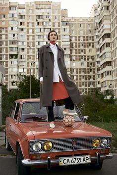 Vogue UA представляет два взгляда на постсоветскую андерграундную эстетику – украинский и американский. Дизайнер Антон Белинский и фотограф