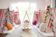 Teepee Dreams is Bayside and Melbourne's fun sleepover idea! We hire kids teepee tents with gorgeous party themes for your child's next slumber party. Bohemian Party Decorations, Birthday Party Decorations Diy, Sleepover Room, Fun Sleepover Ideas, Diy Zelt, Pajama Party Games, Teenager Party, Sleepover Birthday Parties, Teepee Party