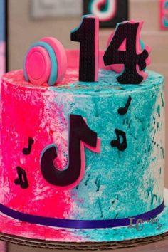 Cakes To Make, How To Make Cake, 14th Birthday Cakes, Birthday Cakes For Teens, Teen Cakes, Girl Cakes, Sleepover Birthday Parties, Holiday Cakes, Cake Decorating Tips