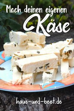 Käse selber machen mit 3 Zutaten in 20 Minuten Make your own cheese: without rennet, with only 3 ingredients. Making cheese yourself is very easy. You will also find instructions for making cheese yourself with Lab. Make Cream Cheese, How To Make Cheese, Food To Make, Making Cheese, Homemade Cheese, Vegetable Drinks, Cheese Recipes, Deep Dish, Diy Food