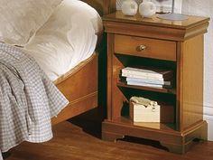 /Minet nachtkast Nina kersen,open vak,lade, stijl ledikant louis philippe,gelakt hout,frans,theo bot zwaag,breed 42 cm. ,hoog 60 cm., diep 32 cm