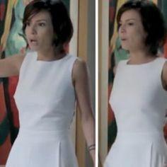 Maria Clara(Andreia Horta) mais uma vez deixou as femininas em frisson, por conta deste macacão branco, na novela IMPÉRIO, na noite de Réveillon. O lindo modelo, da grife ALPHORRIA, tem um d…