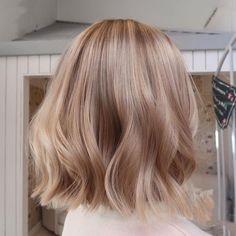 Butter Blonde Hair, Caramel Blonde Hair, Medium Blonde Hair, Blonde Hair Looks, Balayage Hair Blonde, Short Blonde, Blonde Hair For Pale Skin, Blonde Short Hair, Rose Blonde Hair