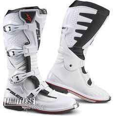 falco extreme pro 3 cuero botas motocicleta motocross mx de deporte blanco reino unido 6 eu40 - Categoria: Avisos Clasificados Gratis Estado del Producto: Nuevo con etiquetasFalco Extreme Pro 3 Leather Boots Motorcycle Motorcross MX Sport White UK 6 EU40 Product Code: F113WTWT OUR PRICE: A 12000SPProduct Specification Removable Inner Bootie: D30 Impact Protection MicroSynth Upper Mesh Vented Vented Lining EsoMotion 2 MX Articulated Hinge All Round PU Chassis Construction Product Description…