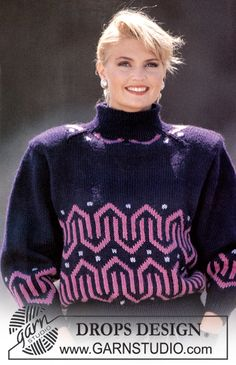 """DROPS jumper with V-pattern in """"Alaska"""". Size S-L. Free pattern by DROPS Design."""