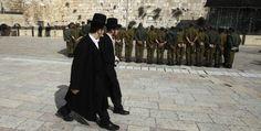 Gli ultraortodossi e l'esercito.  Yair Lapid, la vera sorpresa delle elezioni israeliane, ha fatto dell'arruolamento degli haredim uno dei suoi cavalli di battaglia. (Reuters/Baz Ratner)
