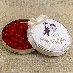 Lembrancinha de Casamento Latinha Personalizada e com Balas de Coração, diversas cores! $3.20
