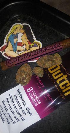 Smoking A Blunt, Smoking Is Bad, Girl Smoking, Smoking Weed, Drawings Of Black Girls, Glass Pipes And Bongs, Smoke Pictures, Deadshot