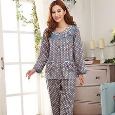 baju tidur 1 Girls Sleepwear, Girls Pajamas, Blouse Back Neck Designs, Blouse Designs, Night Suit For Women, Father And Girl, Baby Dress Patterns, Nightgowns For Women, Pyjamas