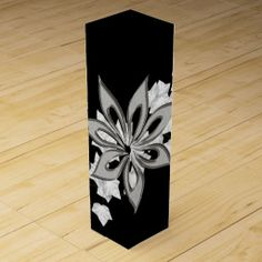 White Ivy with silver flower wine gift box