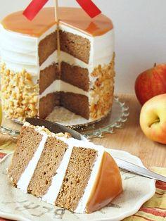 Voiko tätä herkullisempaa ollakaan? #omena #kakku #omenakakku #apple #cake #applecake