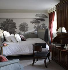 Great idea for guest bedroom