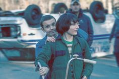 Millie Bobby Brown (Eleven) and Finn Wolfhard (Mike Wheeler) - Behind the Scenes of Stranger Things