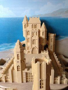 Lego Sand castle, i think i know where this is from Legos, Lego Structures, Modele Lego, Lego Sculptures, Lego Club, Amazing Lego Creations, Lego Blocks, Lego Construction, Lego Castle