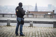 Bélgica alerta de llegada a Europa de nuevos combatientes del EI