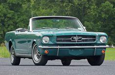 Ford Mustang 1965 green #mustangvintagecars