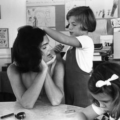 Jackie and daughter Caroline Kennedy, 1962. Photo courtesy of Getty Images.