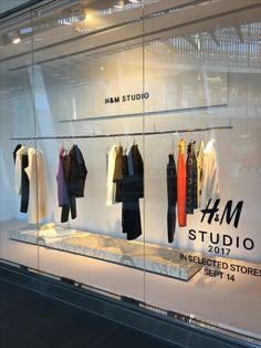 "H&M, HENNES&MAURITZ, Sylvia Park Shopping Centre, Mt. Wellington, New Zealand, ""The Studio Collection"", uploaded/photo by Ton van der Veer"