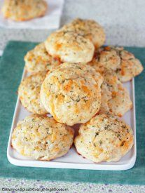 Make Red Lobster's famous Cheddar Bay Biscuits at home with this easy 30-minute recipe! Yum!