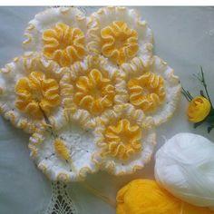402 Likes, 18 Comments - 😊🙃 Crochet Bra, Crochet Doilies, Crochet Stitches, Crochet Patterns, Felt Flowers, Crochet Flowers, Spring Festival, Bargello, Washing Clothes