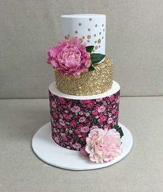 Winter Wedding Cake by Sweet Art