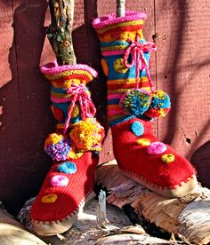 Hand-made Knit Crochet Ponchos Shawls Wedding Bridal boleros shrugs cowls gloves hats, baby knits, knit fashion Knitting Patterns Free, Knit Patterns, Free Knitting, Baby Knitting, Knitted Slippers, Slipper Socks, Bridal Shawl, Knitting Magazine, Crochet Poncho