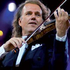 André Léon Marie Nicolas Rieu (Maastricht, Países Baixos, 1º de outubro de 1949) é um violinista, regente e empresário neerlandês. Ativo desde 1978, André Rieu é essencialmente orientado para uma forma de música easy listening, com um repertório baseado em peças de música ligeira e valsas vienenses muito conhecidas do público e fortemente ancoradas na memória popular.
