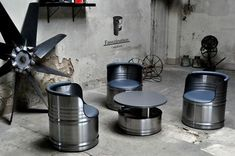Reclaimed oil barrels turned into bold, colorful home furniture Tire Furniture, Garage Furniture, Car Part Furniture, Barrel Furniture, Automotive Furniture, Industrial Furniture, Furniture Design, Luxury Furniture, Oil Barrel