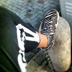 昨夜の足元、ちょっと寒かった ( •̀.̫•́ )۶ -  nike sneaker @taq156- #webstagram