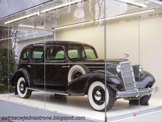 patrząc w jedną stronę: Cadillac Marszałka