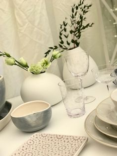 Styling up the stand at the Wild Tweed show with items from our vintage style glassware, scandinavian white ceramic bud vases and serving platters and bowls.
