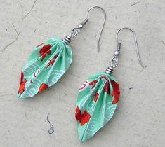 Boucles d'oreilles FEUILLES origami en papier japonais Quilling Jewelry, Paper Jewelry, Fabric Jewelry, Paper Beads, Wooden Jewelry, Fabric Earrings, Paper Earrings, Cute Earrings, Unique Earrings