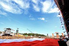 Rozwijamy flagę! Fot. Igor Kohutnicki