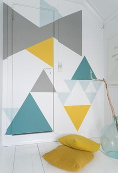 I'm sticking it on this board because i love these colours, probably won't be painting the wall, but I can make everything else yellow, blue and turquoise! :) // DIY geometric wall paint job, as seen on design milk Geometric Wall Paint, Geometric Painting, Diy Wanddekorationen, Diy Wall, Wall Decor, Triangle Wall, Geometric Graphic, Wall Patterns, Geometric Patterns