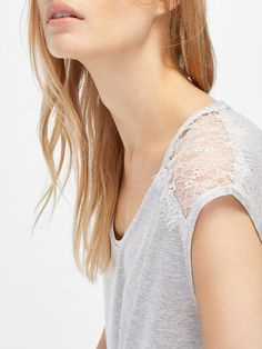{10} {11} {9}´s LACE DETAIL T-SHIRT at Massimo Dutti for 19.95. Effortless elegance!