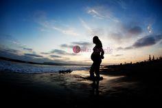pregnancy-beach-pictures-jm2
